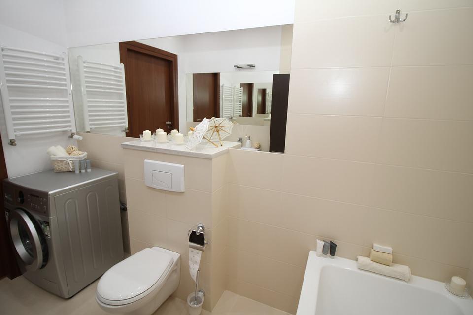 water-damage-in-a-bathroom
