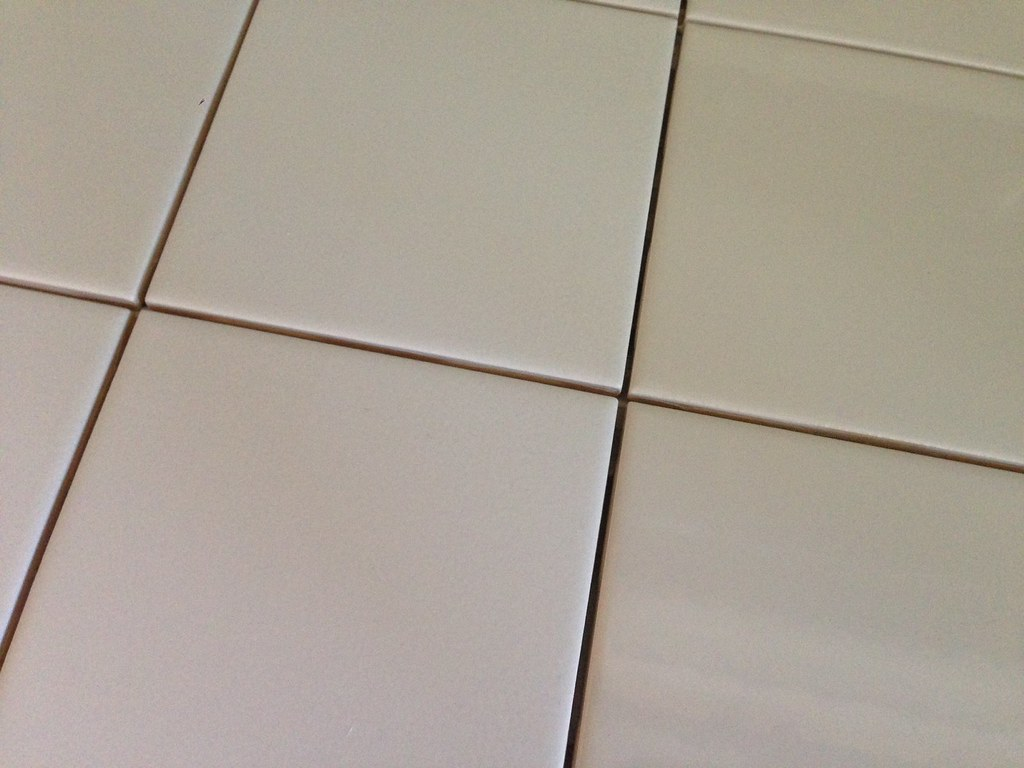 floor-tiles-grout-cleaning